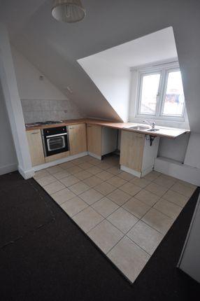 2 bed flat to rent in Bellegrove Road, Welling Kent DA16