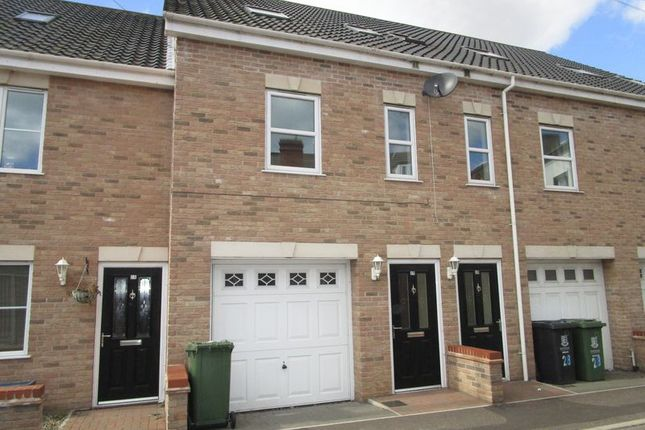 Thumbnail Terraced house to rent in Back Chapel Lane, Gorleston, Great Yarmouth