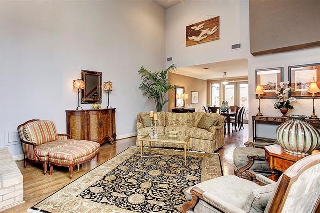 Town house for sale in Houston, Texas, 77057, United States Of America