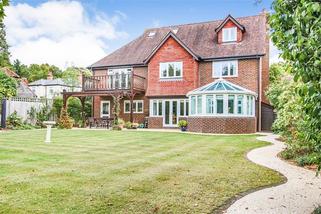 Thumbnail Detached house for sale in 4 Leybourne Place, Felbridge, West Sussex