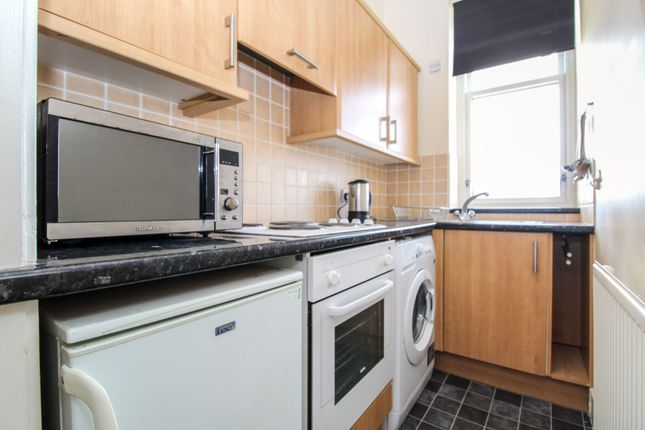 Kitchen of 7 Glenbervie Road, Aberdeen AB11