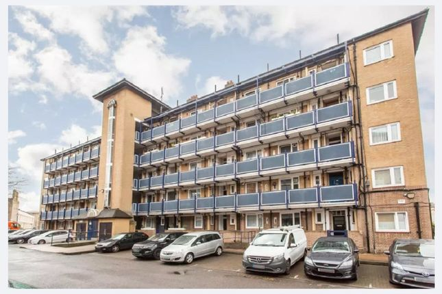 3 bed property to rent in Cephas Road, Stepney Green E1