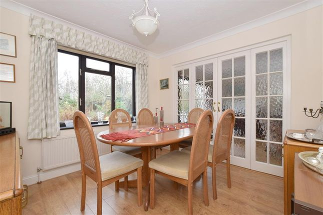 Thumbnail Detached house for sale in Barnfield Road, Petersfield, Hampshire