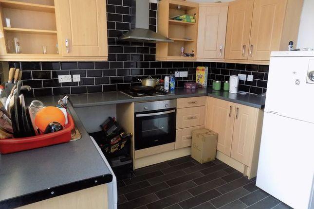 Kitchen of New Hey Road, Bradford BD4