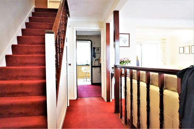 Entrance Hall of Curlew Crescent, Basildon SS16
