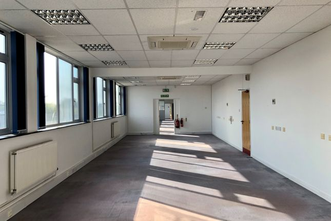 Office to let in Green Lane Business Park, Tewkesbury