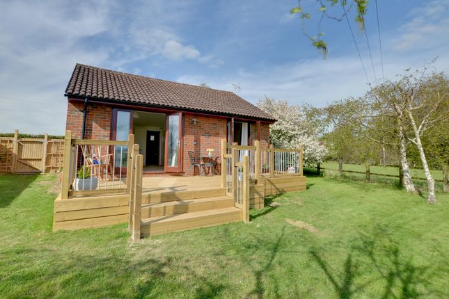 Thumbnail Lodge to rent in Hexden Shaw Hastings Road, Rolvenden