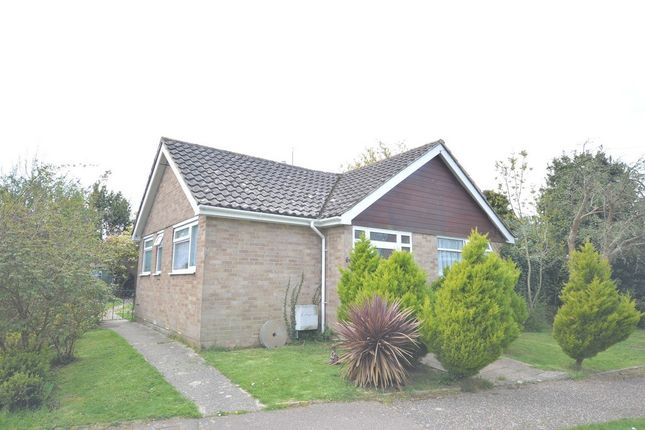 2 bed detached bungalow to rent in St Leodegar's Way, Hunston