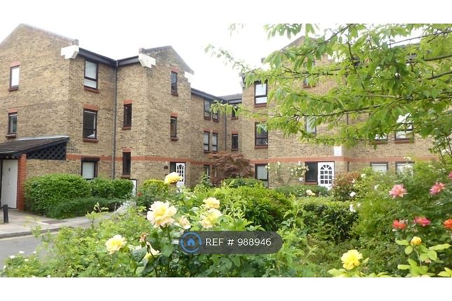 Thumbnail Flat to rent in Wedmore Gardens, London