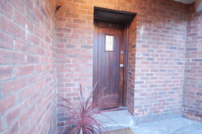 Flat to rent in Windsor Court, Gosforth, Newcastle Upon Tyne