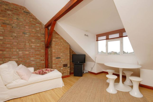 1 bed flat for sale in Brondesbury Park, Brondesbury Park, London NW2