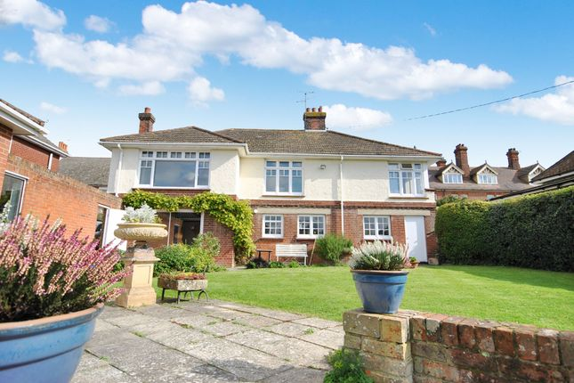 Thumbnail Detached house for sale in Dykes Chase, Maldon