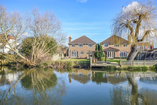 Thumbnail Detached house for sale in Riverside Avenue, Broxbourne