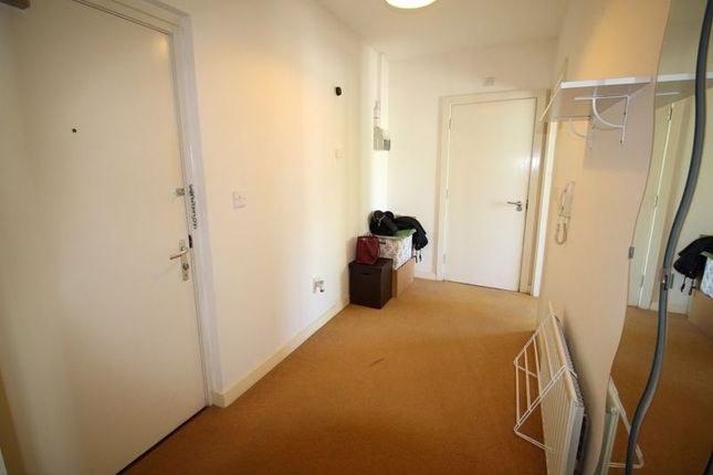 Large Hallway. of Godstone Road, Whyteleafe CR3