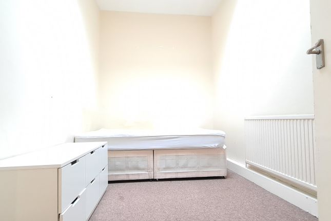 Thumbnail Flat to rent in Old Nichol Street, London