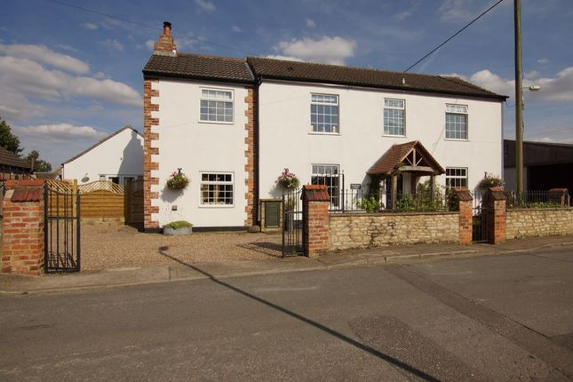 Thumbnail Detached house for sale in Cocketts Lane, Hibaldstow, Brigg