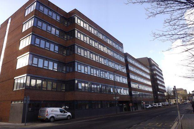Studio to rent in Farnsby Street, Swindon SN1