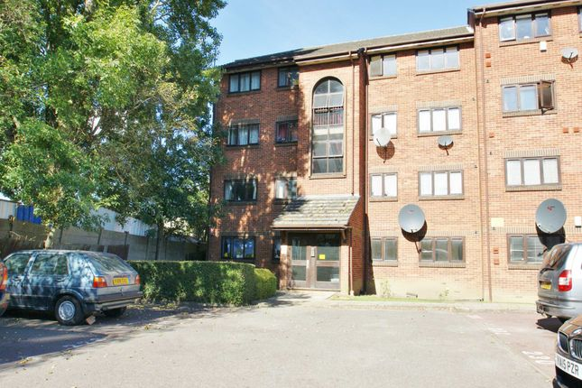 Thumbnail Flat to rent in Cotton Avenue, Westcott Park, Acton