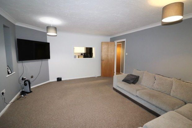 2 bed flat to rent in Langdon Hills, Basildon SS16