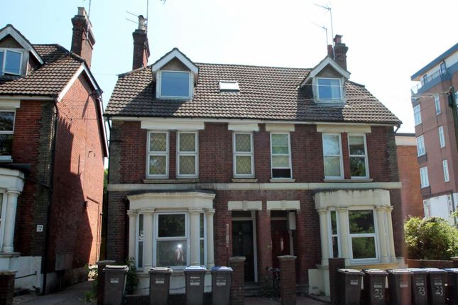 1 bed flat to rent in Station Road, East Grinstead RH19