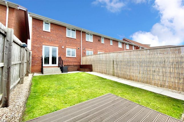 Picture No. 08 of Dovestone Way, Kingswood, Hull, East Yorkshire HU7