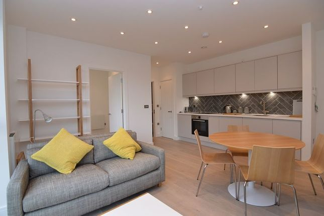 Thumbnail Flat to rent in Mulberry House, Carey Road, Wokingham, Berkshire