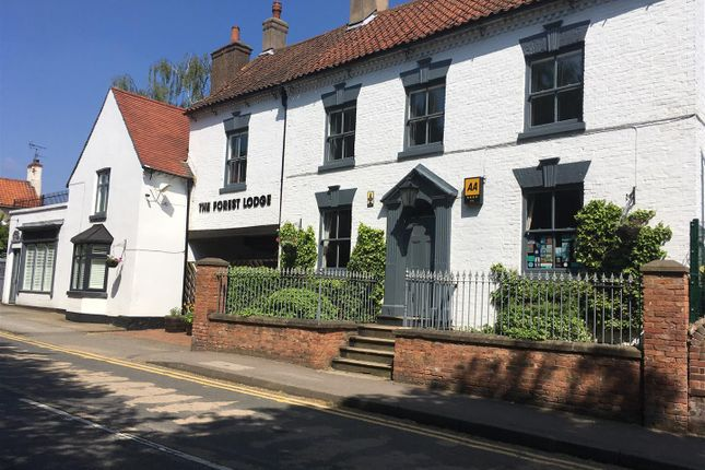 Thumbnail Hotel/guest house for sale in Church Street, Edwinstowe, Mansfield