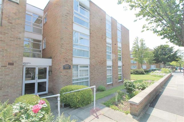Thumbnail Flat to rent in Glenure Road, Eltham, London