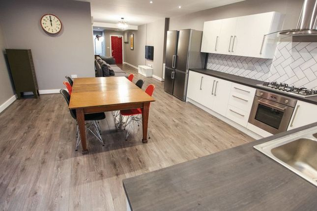 Thumbnail Flat to rent in 6 Bedroom Apartment, Pownall Square, Liverpool (2019-20 Academic Year)