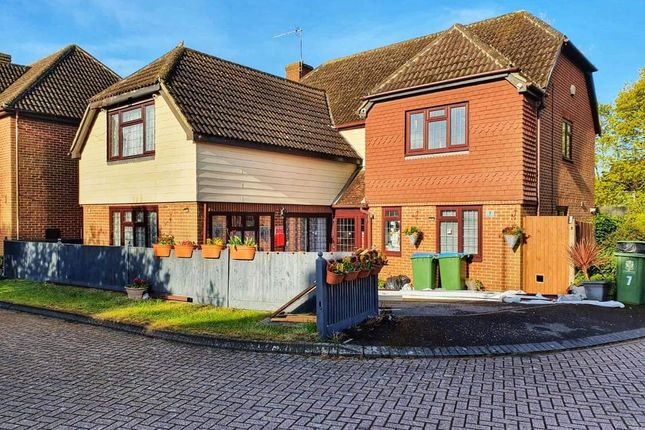 5 bed detached house for sale in Weald Close, Locks Heath, Southampton SO31