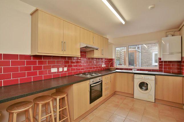 Thumbnail Flat to rent in Bullingdon Road, Oxford