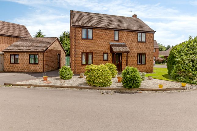 Thumbnail Detached house for sale in Long Close, Botley, Oxford