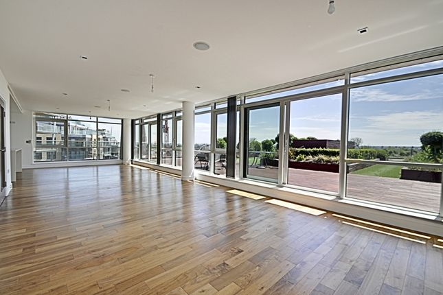 Thumbnail Penthouse to rent in Belgravia House, Longfield Avenue, Ealing