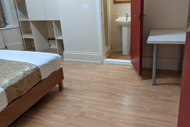 Thumbnail Shared accommodation to rent in Longbridge Road, Barking London