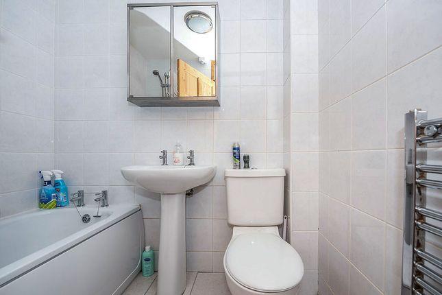 Bathroom of Fairstead, Skelmersdale, Lancashire WN8