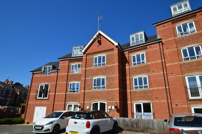 Thumbnail Flat for sale in Little Mill Court, Stroud
