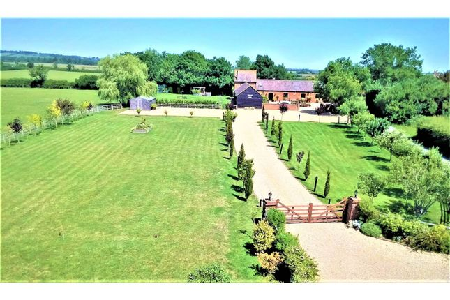 Thumbnail Barn conversion for sale in Berryfields Gated Road, Aylesbury