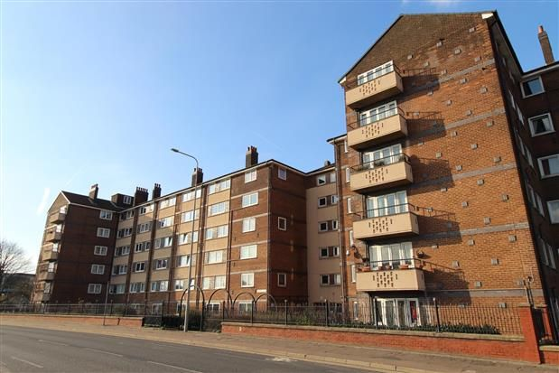 Thumbnail Flat to rent in Crook Street, Bolton