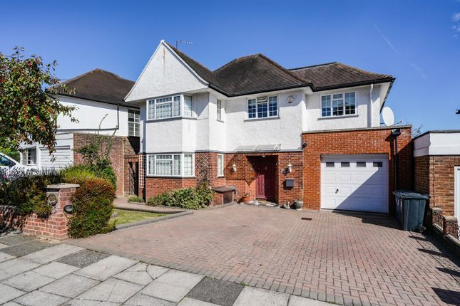 Thumbnail Detached house to rent in Ashbourne Road, Ealing