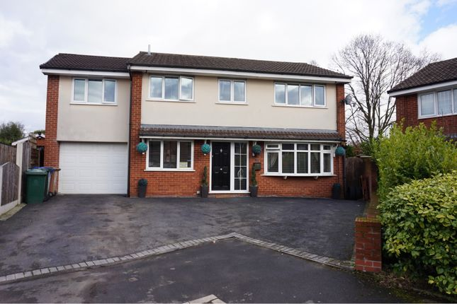 Front View of Oldbury Close, Hopwood OL10