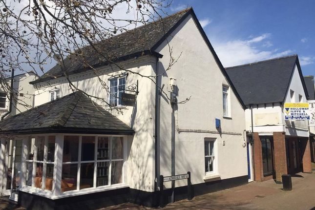 Thumbnail Flat to rent in Admirals Way, Hythe, Southampton