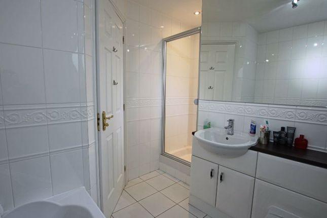 Family Bathroom of St. Martin Avenue, Strathmartine, Dundee DD3