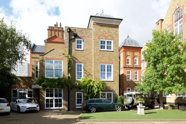 4 bed flat for sale in Bridge Lane, London