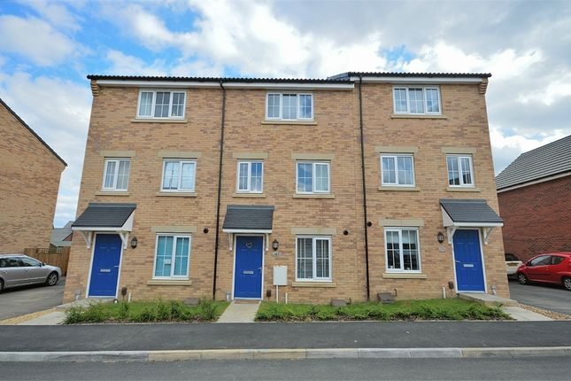 Thumbnail Terraced house to rent in Damselfly Road, Northampton