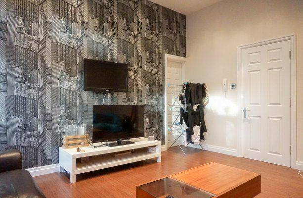 2 bed flat to rent in North Lane, Headingley, Leeds