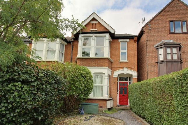 Thumbnail Flat for sale in Gordon Hill, Enfield