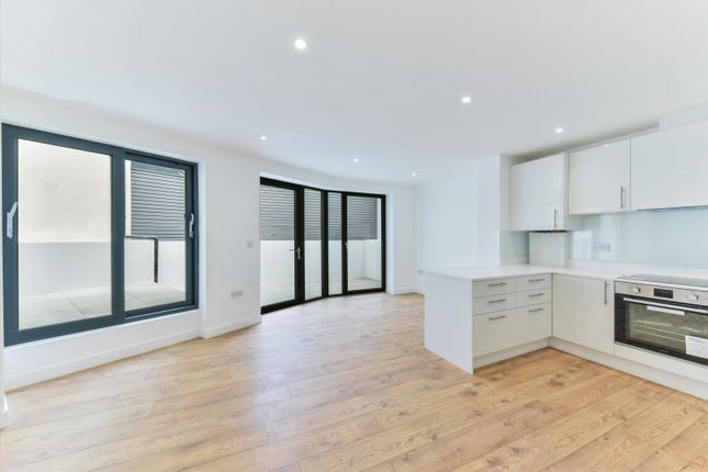 3 bed flat for sale in Albion Grove, London N16