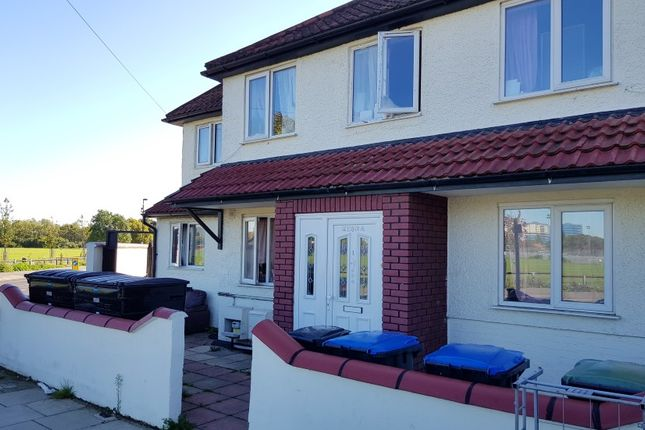 Thumbnail Terraced house for sale in Meadow Close, Enfield, Middlesex