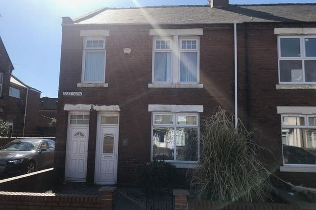 Thumbnail Flat to rent in East View, Boldon Colliery