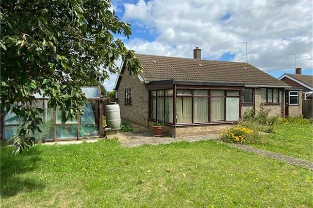 3 bed detached bungalow for sale in Kingsway, Bourne, Lincolnshire PE10